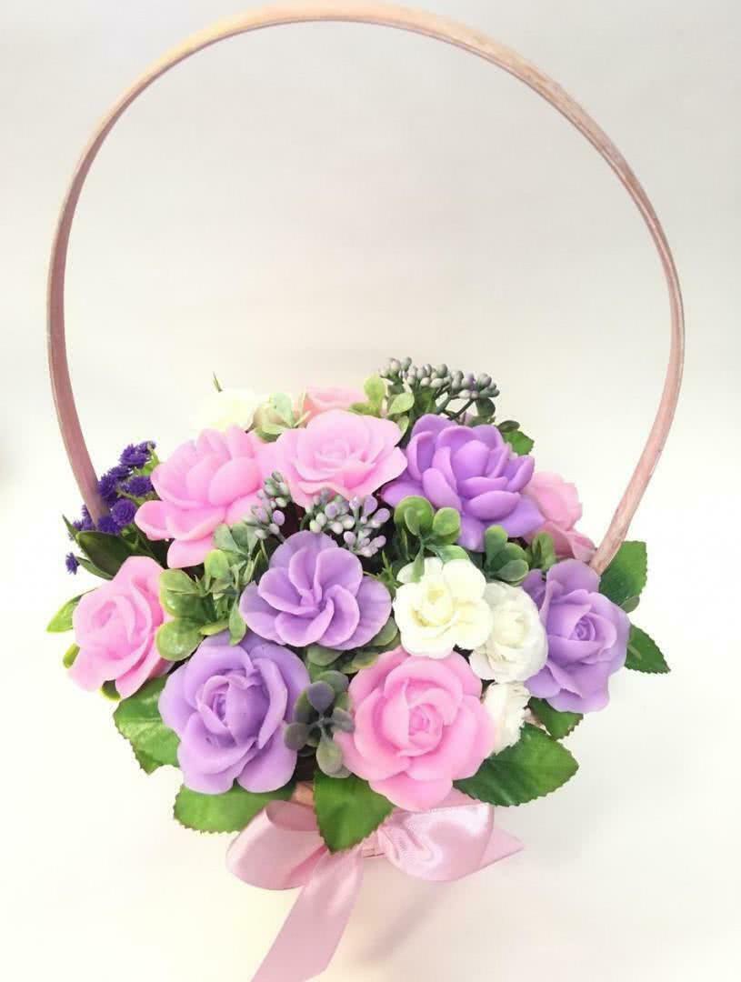 Букет из мыла «Корзинка с разноцветными цветами» в корзине