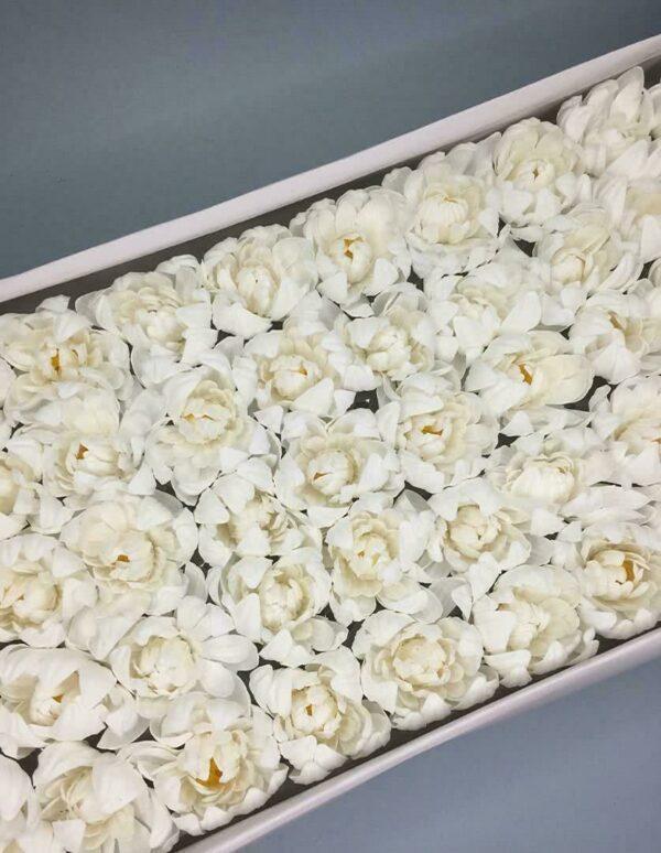 Хризантемы из мыла - 1 200 Цвет: белый