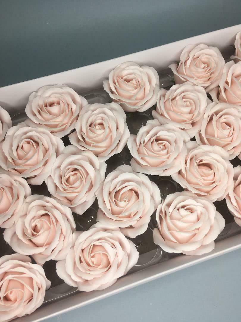 Роза крупная — бледно-розовая 25 шт