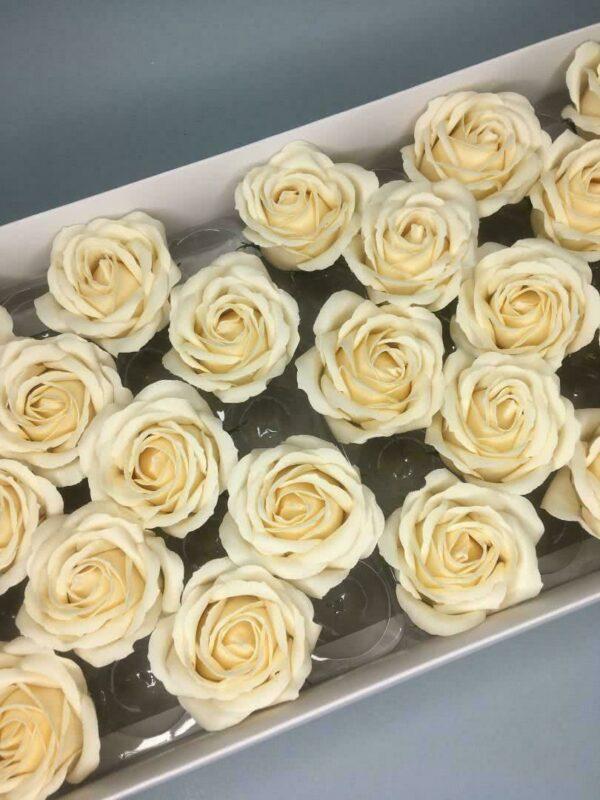 Розы из мыла - 800 Цвет: кремовый